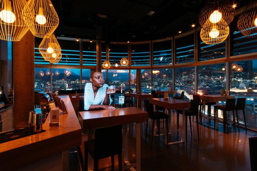 Ein (letzter) Drink - Rooftop Bar Adlers