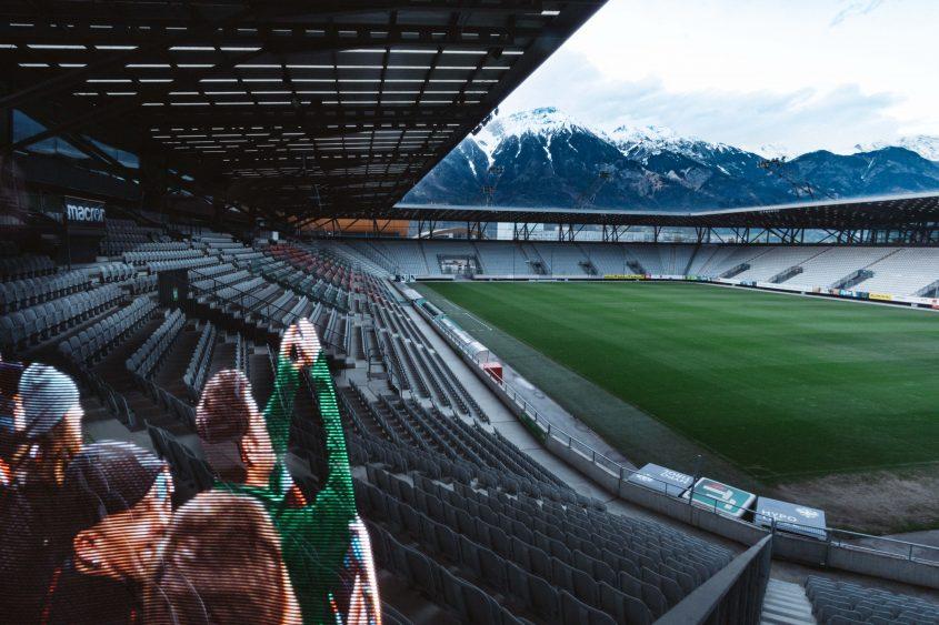 Jubelnde Fans - Tivoli Stadion